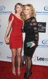 th_72765_celebrity-paradise.com-The_Elder-Faith_Hill_2010-01-27_-_EIF5s_Women2s_Cancer_Research_Fund_6308_122_119lo.jpg