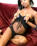 Adult WebCams - attractive ebony