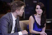 http://img186.imagevenue.com/loc423/th_10100_Emma_Roberts_Robert_Pattinson_The_Tonight_Show_With_Jay_Leno1_122_423lo.jpg